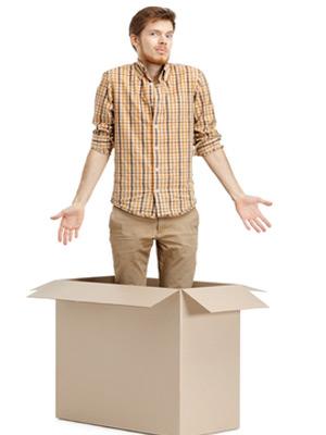 Мужчина в коробке