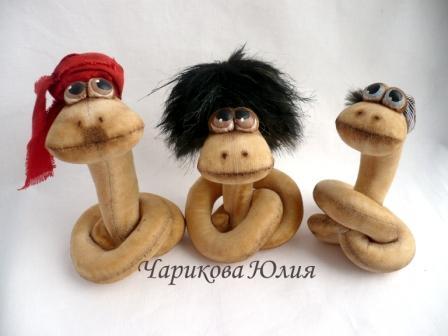 Мягкая игрушка змея