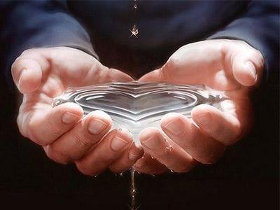 Вода в форме сердца