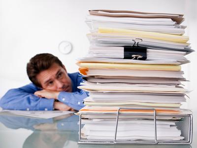 Большая стопка документов